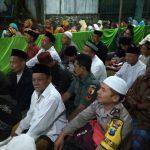 Bhabin desa Pendem Polsek Junrejo Polres Batu hadiri pengajian Akbar didesanya.