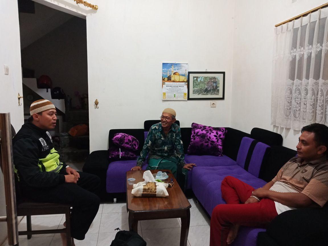 Menjaga Keamanan, Anggota Bhabin Polsek Batu Polres Batu Berikan Wilayah Aman