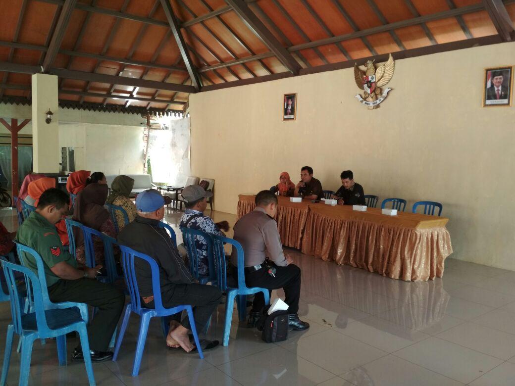 SAMBANG, Babin desa Pendem Polsek Junrejo Polres Batu hadiri acara koordinasi persiapan verifikasi lapangan desa berseri