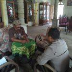 laksanakan Giat sambang Bhabinkamtibmas Desa Bayem Polsek Kasembon Polres Batu Ke Tomas untuk serap informasi