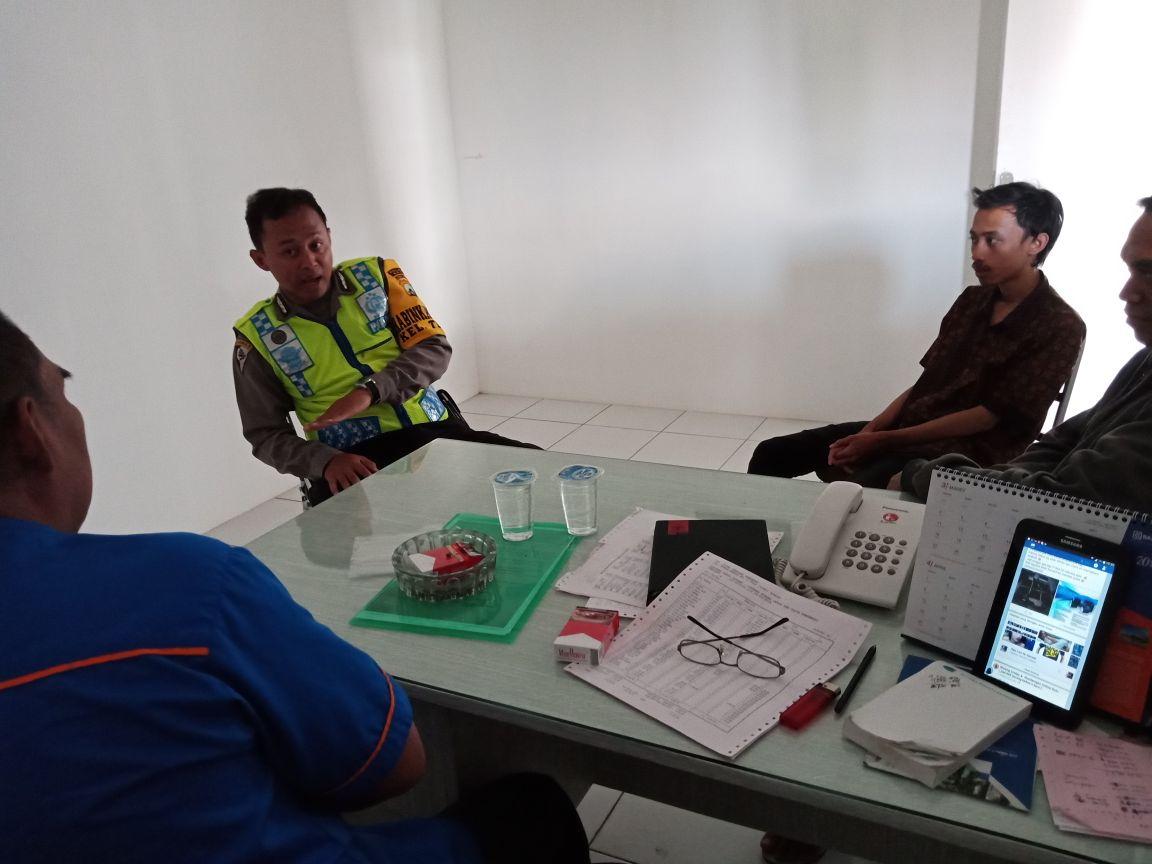 Anggota Bhabinkamtibmas Polsek Batu Polres Batu Berikan Pelayanan Kepolisian Kepada Potensi Masyarakat Dalam Harkamtibmas