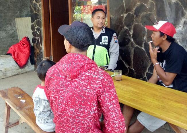 Satgas Kemitraan Bhabin Desa Oro – Oro Ombo Polsek Batu Polres Batu Sambang Pemuda