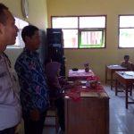 Giat Sambang dan Binluh, Bhabinkamtibmas Desa Kasembon Polsek Kasembon Polres Batu Sambangmonitoring pelaksanaan UASBN tingkat SD/MI sederajat