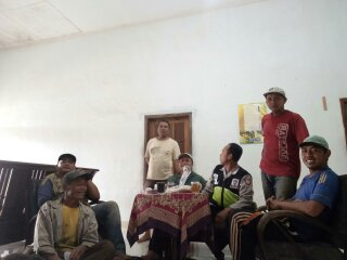 Kegiatan Door To Door System Bhabinkamtibmas Desa Bendosari Polsek Pujon Polres Batu