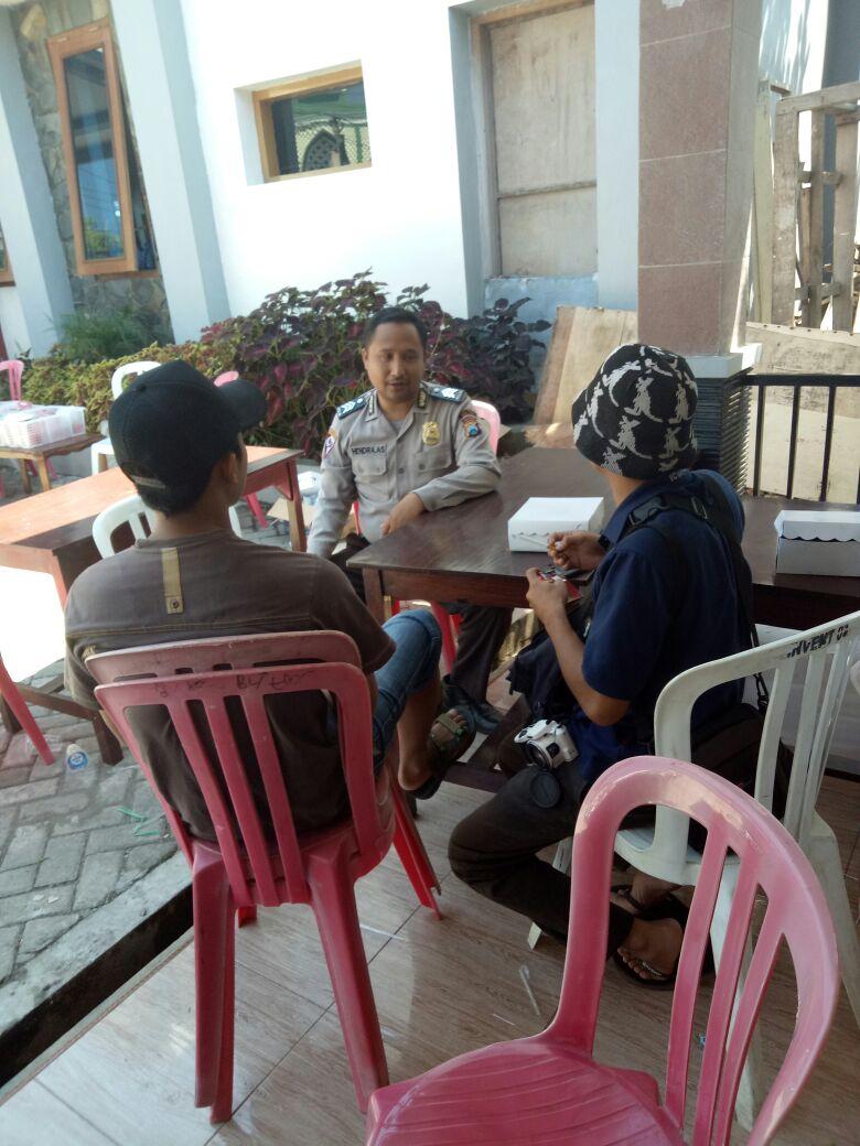 Sat Gas Kemitraan Bhabin Polsek Batu Polres Batu Sambang Tokoh Pemuda