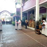 Bhabinkamtibmas Kelurahan Sisir Polsek Batu Polres Batu  Jadi  Pembina Upacara di SMP ISLAM Batu