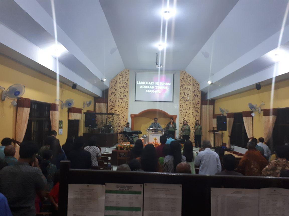 Polsek Junrejo Polres batu Memberikan pengamanan Giat Ibadah Minggu di gereja GSJA