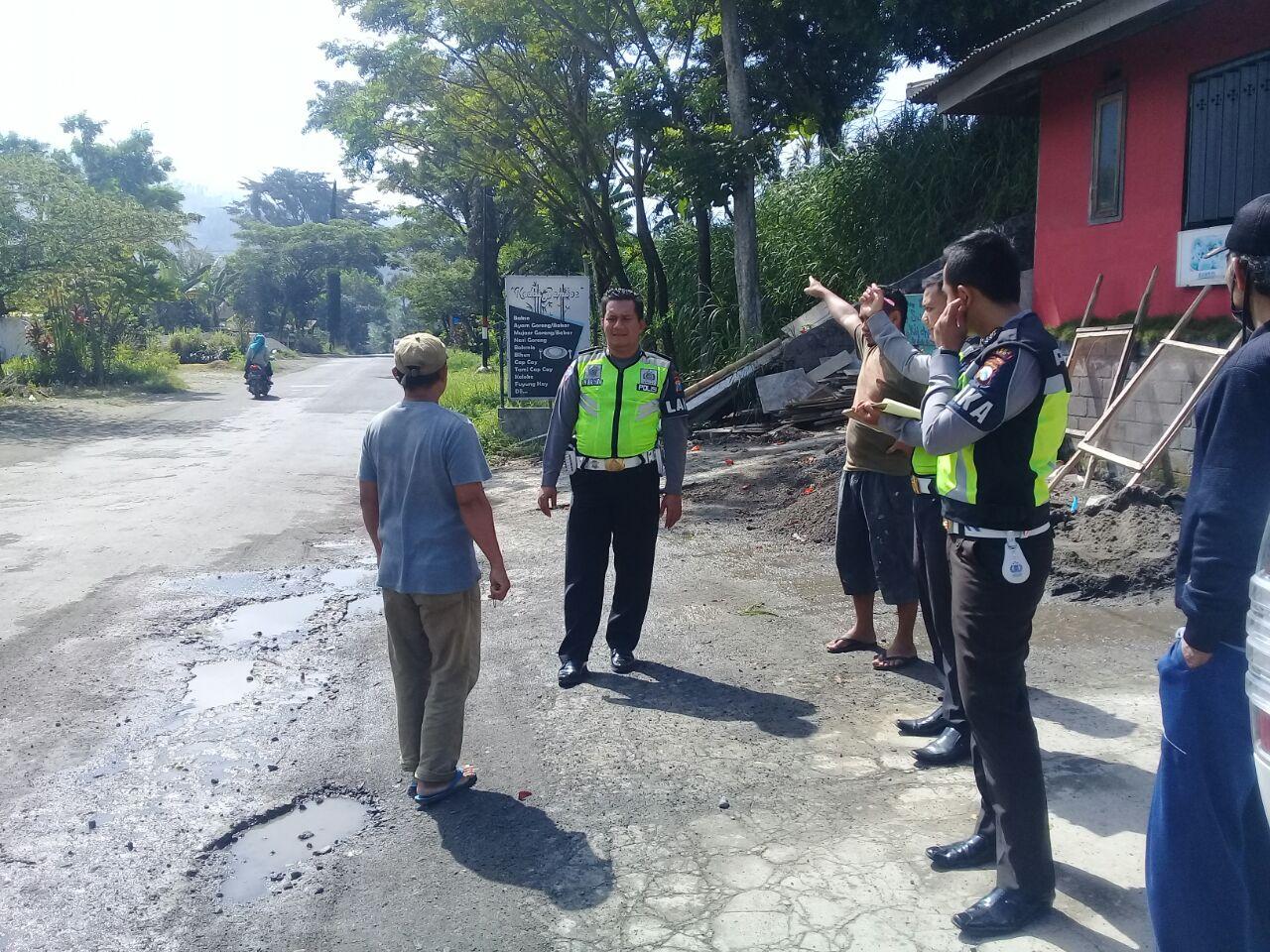 Polres Batu Piket Laka Lantas Mendatangi laka Lantas di Kec Ngantang