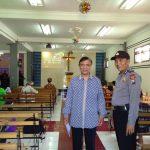Anggota KSPKT Polsek Junrejo Polres Batu, Melaksanakan Pengamanan Giat Kebaktian Gereja