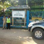 Kanit Sabhara Polsek Kasembon Polres Batu Melaksanakan Giatan Pengamanan Kelulusan