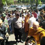 Bhabin Polsek Junrejo Polres Batu Sambang Giat masyarakat Umat budha