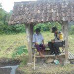 Lakukan DDS Bhabinkamtibmas Kelurahan Songgokerto Polsek Batu Kota Polres Batu Sosialisasi Pelayanan Kepolisian