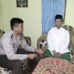 Bhabinkamtibmas Desa Tawangsari Polsek Pujon Polres Batu Sambang Warga Desa