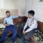 Bhabin Polsek Pujon Polres Batu Sambang Tokoh Masyarakat Desa Tawangsari