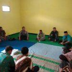 Bhabinkamtibmas Desa Pandesari Polsek Pujon Polres Batu Jalin 3 Pilar Untuk Rapat Koordinasi Dengan BPD