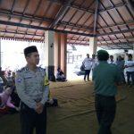 Bhabin desa Pendem Polsek Jumrejo Polres Batu hadiri santunan anak yatim dan buka puasa bersama.