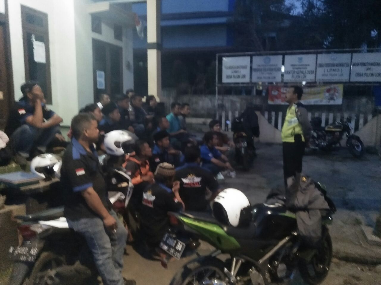 P.S Kanit Binmas Polsek Pujon Polres Batu Sosialisasi Tertib Berlalu Lintas Kepada Club Motor