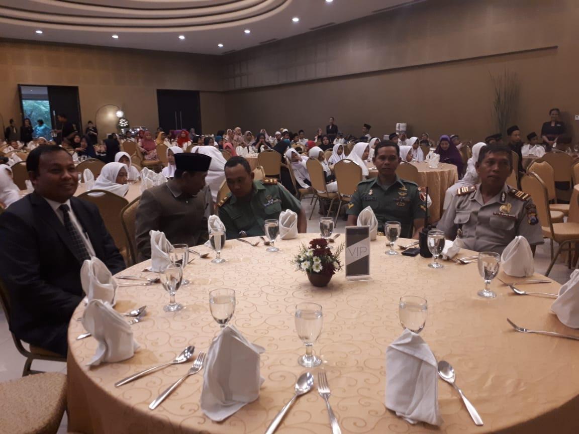 Giat Silaturahmi, Kapolsek Junrejo Menghadiri Kegiatan Santunan Anak Yatim Di hotel Singgasari Resort