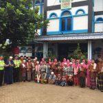 Bhayangkari Polres Batu Melaksanakan Kunjungan Dan Santunan Ke Pondok Pesantren