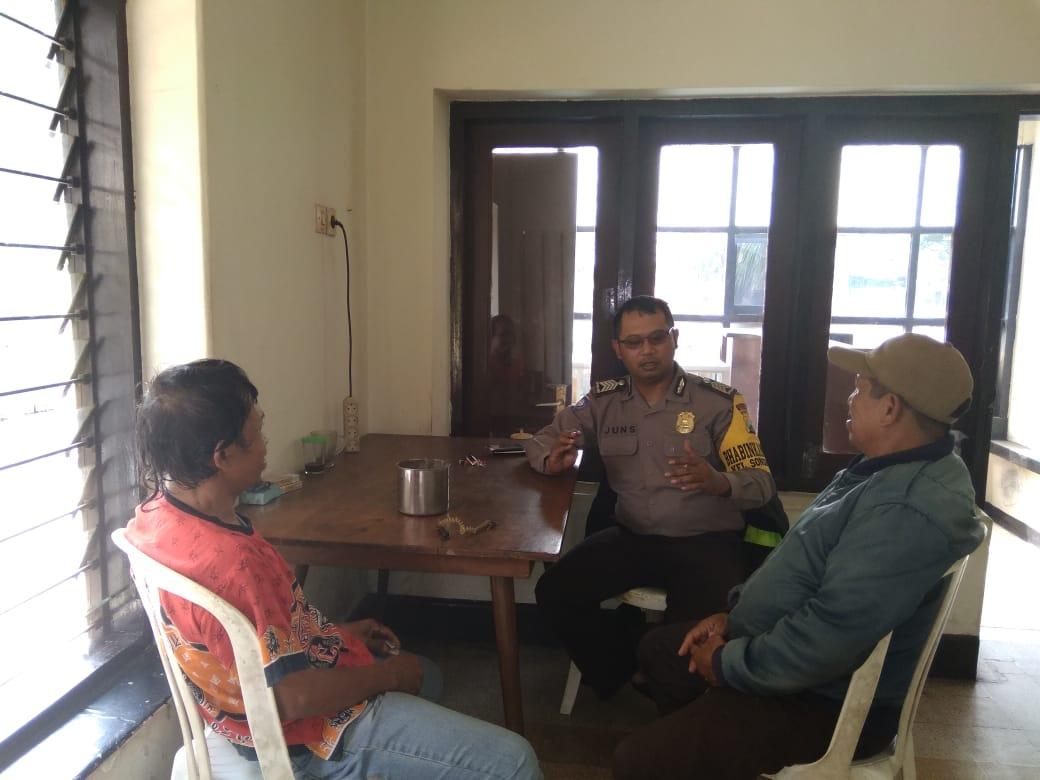 Giat Sambang Bhabin Polsek Batu Kota Polres Batu Kini Makin Dekat Saja Dengan Masyarakat Sosialisasikan Call Center 110
