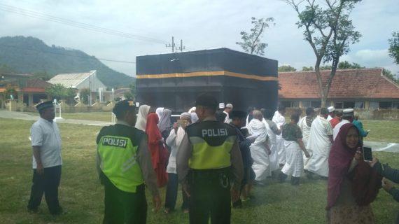 Pererat Sinergi di Masyarakat, Sabhara Polsek Ngantang Polres Batu Pengamanan Latihan Manasik Haji