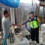 Giat Kunjungan Tempat Usaha Bhabinkamtibmas Kelurahan Temas Polsek Batu Kota Polres Batu