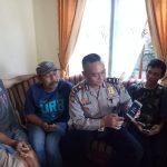 Kanit Sabhara bersama Kanit Binmas Polsek Ngantang Polres Batu Patroli dan Sosialisasi Kepada Masyarakat