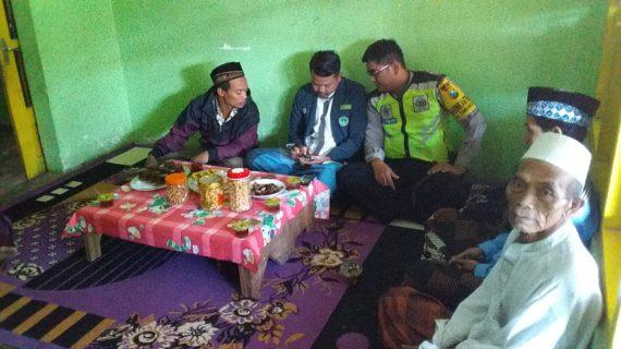 Bhabinkamtibmas Polsek Pujon Polres Batu Giat Sambang Ke Warga Desa Tawangsari