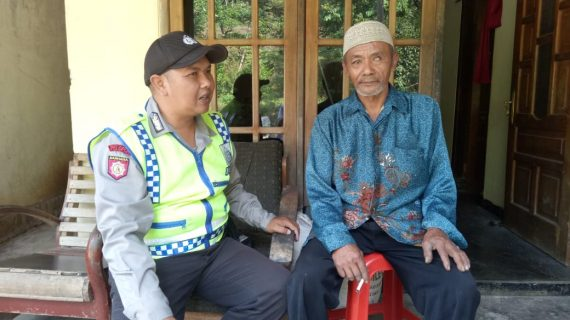 Giat DDS Sambang Warga Bhabinkamtibmas Desa Pait Polsek Kasembon Polres Batu