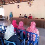Bhabinkamtimbas desa Pendem Brigadir Ibnu Mubarok melaksanakan silaturahmi sekaligus menghadiri sosialisasi mengatasi kebakaran