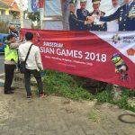 Polres Batu dan jajaran Polsek Bersama Sama Memasang Spanduk Gelorakan Asean Games 2018