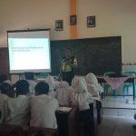 Kegiatan Bintibluh Binmas Polsek Batu Kota Kepada Pelajar SMK Muhammadiyah Batu Menekan Kenakalan Remaja
