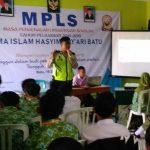 Kegiatan MPLS Binmas Polsek Batu Kota Kepada Pelajar SMA Hasyim Asy'ari Batu