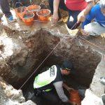 Bhabin Polsek Pujon Polres Batu Kerja Bakti Bersama Warga Pembangunan Musholla