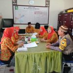 Peduli Dunia Pendidikan Bhabin Kel Temas Polsek Batu Kota Berkunjung ke M.I Tarbiyatul Ulum