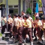 Bhabin Desa Sidomulyo Polsek Batu Kota Berkunjung ke SMP Raden Fatah melakukan Tatap muka