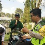 Bhabinkamtibmas Desa Pesanggrahan Polsek Batu Kota berkunjung ketokoh Pemuda