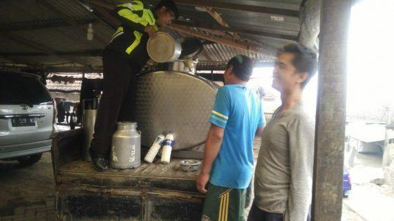 Sambang Ke Penampungan Susu Dusun Toyomerto Bhabin Desa Pesanggrahan Polsek Batu Kota
