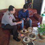 Bhabinkamtibmas Desa Bayem Polsek Kasembon Polres Batu Brigadir Sugiyanto binluh situasi selama pelaksanaan sidang MK