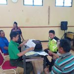 Giat Bhabinkamtibmas Desa Sumberejo Polsek Batu Kota Polres Batu Monitoring Pembagian Kartu Tani