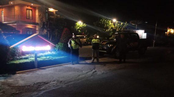 Tingkatkan Keamanan, Anggota Polsek Bumiaji Polres Batu Giatkan Patroli Dini Hari