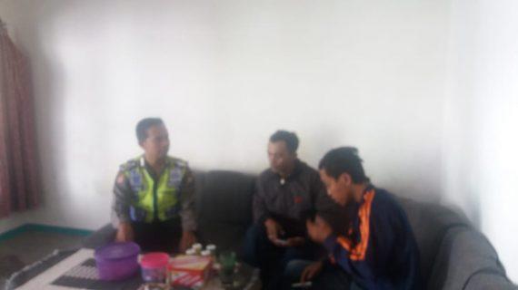 Rutin Sambangi Pemuda Polsek Pujon Polres Batu Menyampaikan Himbauan Kamtibmas