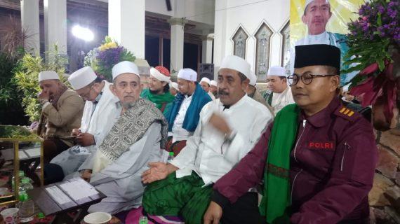 Kapolsek Pujon Polres Batu Menghadiri Pembacaan Sholawat Majelis Maulid Wat Ta'lim Riyadlul Janah