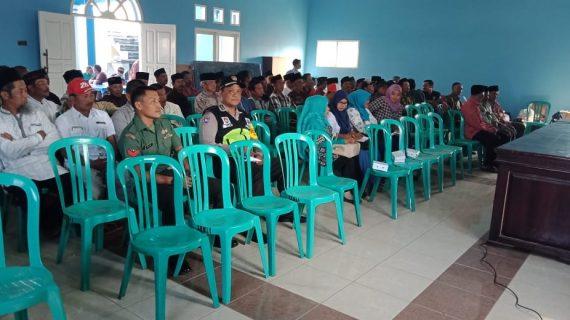 Bhabinkamtibmas Polsek Pujon Polres Batu Menghadiri Pembentukan Panitia Pilkades Sukomulyo