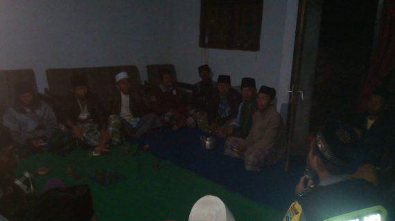 Bhabinkamtibmas Polsek Pujon Polres Batu Menghadiri Pertemuan Jama'ah Tahlil