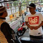 Bhabinkamtibmas Kelurahan Temas Polsek Batu Kota Sambang Ke Lokasi Parkir Sampaikan Pesan Kamtibmas