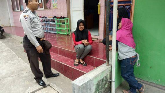 Door To Door System Tingkatkan Kepercayaan Masyarakat terhadap Polri Bhabinkamtibmas Desa Oro Oro Ombo Polsek Batu Kota Polres Batu