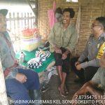Giat Sambang Desa Jalin Kedekatan Warga Bhabinkamtibmas Kelurahan Songgokerto Polsek Batu Kota Polres Batu Sampaikan Pesan Kamtibmas