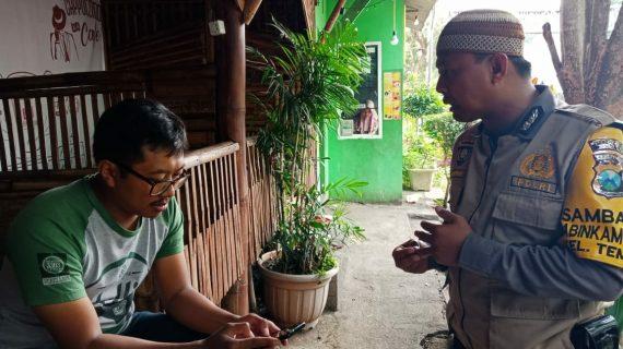 Bhabinkamtibmas Kelurahan Temas Polsek Batu Kota Sampaikan layanan Aplikasi Android Apel