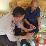 Giat Sambang Kamtibmas, Bhabinkamtibmas Desa Sumberejo Polsek Batu Kota Sosialisasikan Layanan Android Apel ke Kepala Desa